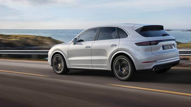 Das Astra hat einen Zulassungsstopp für Neumodelle von Mercedes und Porsche mit manipulierter Abgasreinigung verfügt. (Archiv)