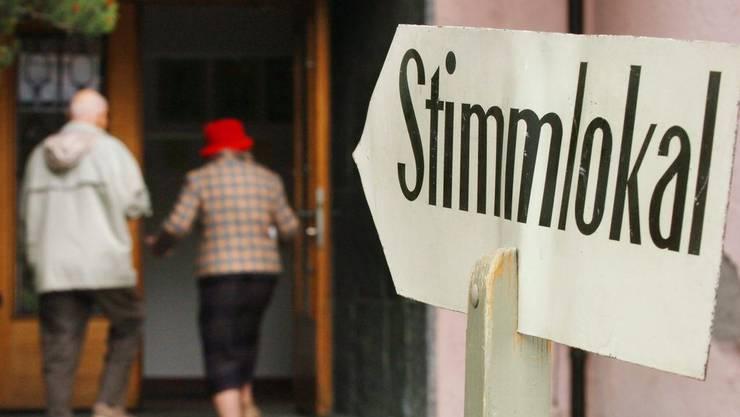 Der Urnengang wird immer seltener. Die meisten Bürger stimmen heute brieflich ab und schlafen am Sonntag aus.
