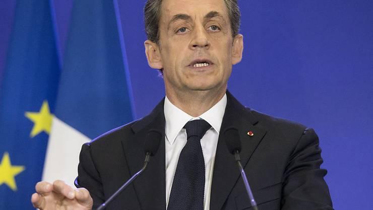 Nicolas Sarkozy will mit der Namensänderung seien UMP aus der Krise holen