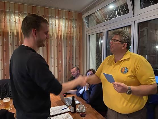 Michael Buresch wird als Aktivmitglied aufgenommen