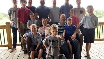 Vierzehn Söhne: Kateri Schwandt und ihr Mann im US-Bundesstaat Michigan blieben bislang tochterlos. Die statistische Wahrscheinlichkeit dafür liegt bei 1:16'000.