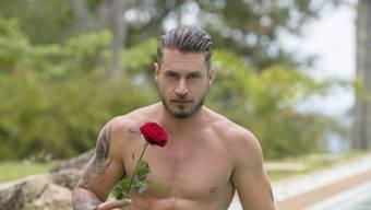 """Ob die Frau, der er in """"Der Bachelor"""" die letzte Rose schenken wird, seine Frau fürs Leben ist, wagt Joel Herger zu bezweifeln. (3+)"""