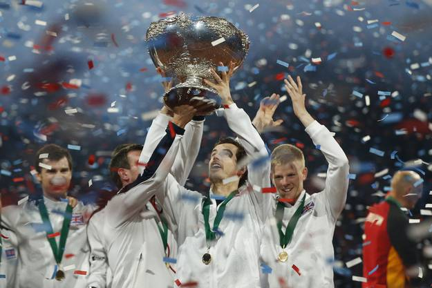 2015 ist Andy Murray die grosse Figur Grossbritanniens, das den Davis Cup holt. Im Final gegen Belgein gewinnt er beide Einzel und an der Seite von Bruder Jamie das Doppel.