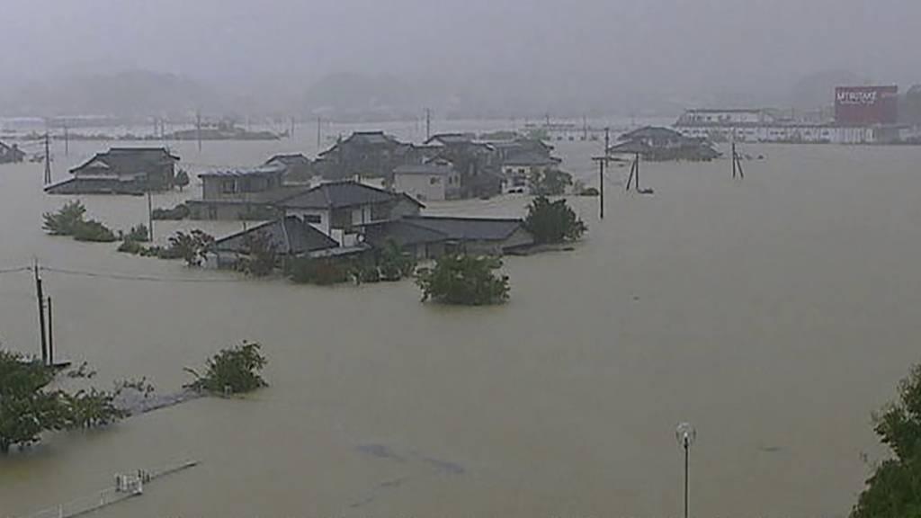 Unablässige Regenfälle halten Japan weiter in Atem
