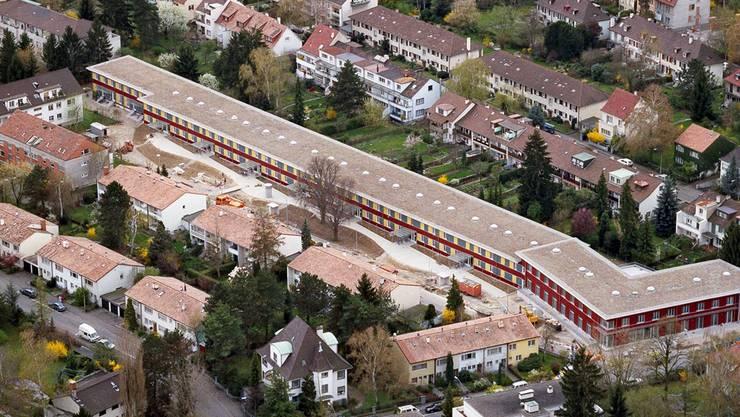 In Basel soll der gemeinnützige Wohnungsbau gefördert werden – im Bild die Genossenschaftssiedlung Niederholzboden in Riehen.
