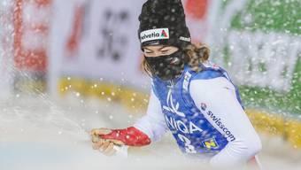 Michelle Gisin feiert ihren ersten Weltcup-Sieg.