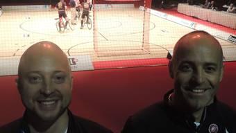 Premiere für die Radball-Saurier im Pantani-Look: Freddy Soder (links) und Peter Bossard. dws
