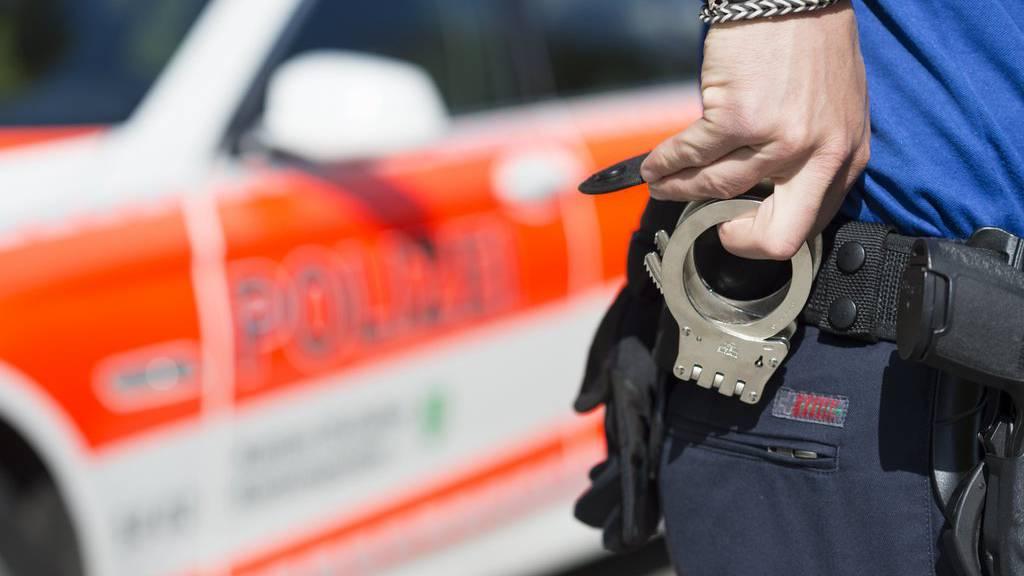 Nach Brand und Streit: Polizisten verhaften in Uzwil SG einen 29-Jährigen Mann,