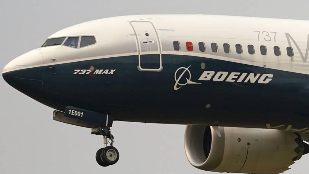 Das Debakel um den Absturzflieger 737 Max und die Corona-Krise haben im vergangenen Jahr bei Boeing zu einer Welle von Auftragsstornierungen geführt. (Archivbild)