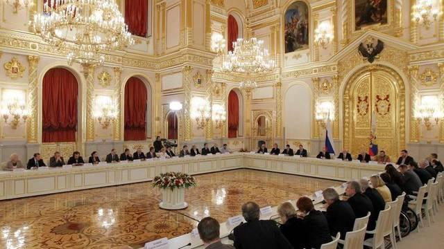 Präsident Putin hält eine Rede vor dem neuen Menschenrechtsrat