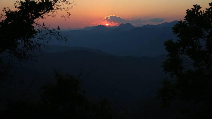Woche 36: Die erste Nacht der neuen Woche verbringe ich im Zelt in der Nähe eines kleinen Dörfchens im Norden Laos.
