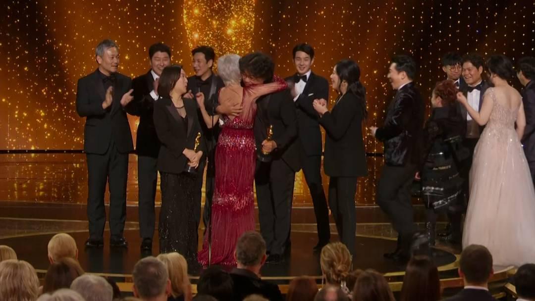 """Überraschung: Südkoreanische Satire """"Parasite"""" gewinnt Oscar für besten Film"""