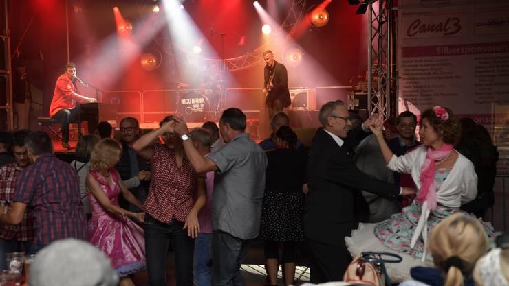 Grenchner Fest Samstag Im Bild: Nico Brina Trio sorgen mächtig für Dampf