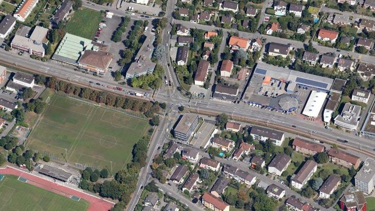 Auf der Kreuzung vor der ehemaligen Rennbahnklinik ereignete sich der Unfall zwischen Auto und Tram.