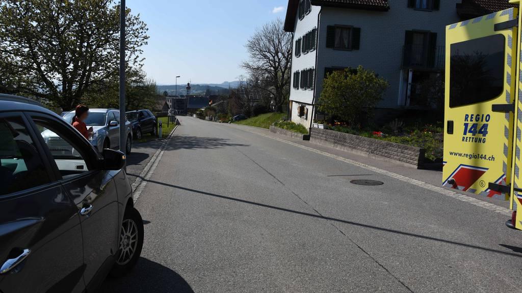 6-jähriger Bub rennt auf Strasse und wird von Auto erfasst