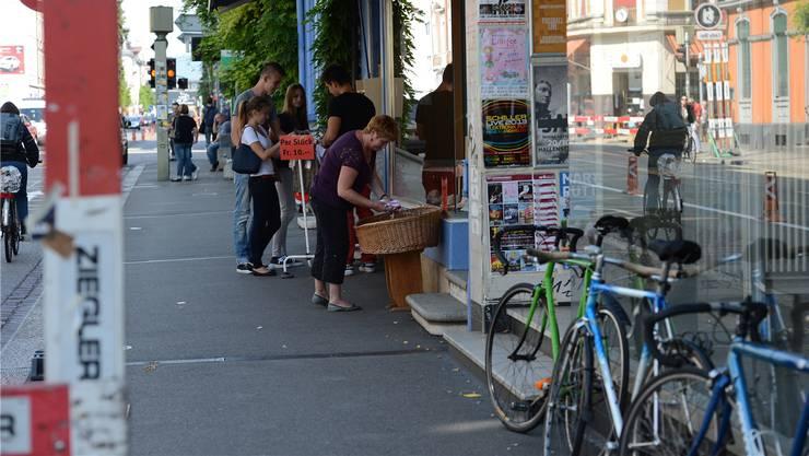 Man trifft sich wieder auf der Strasse: Rund um die Feldbergstrasse entwickelt sich eine alternative Shopping-Kultur.