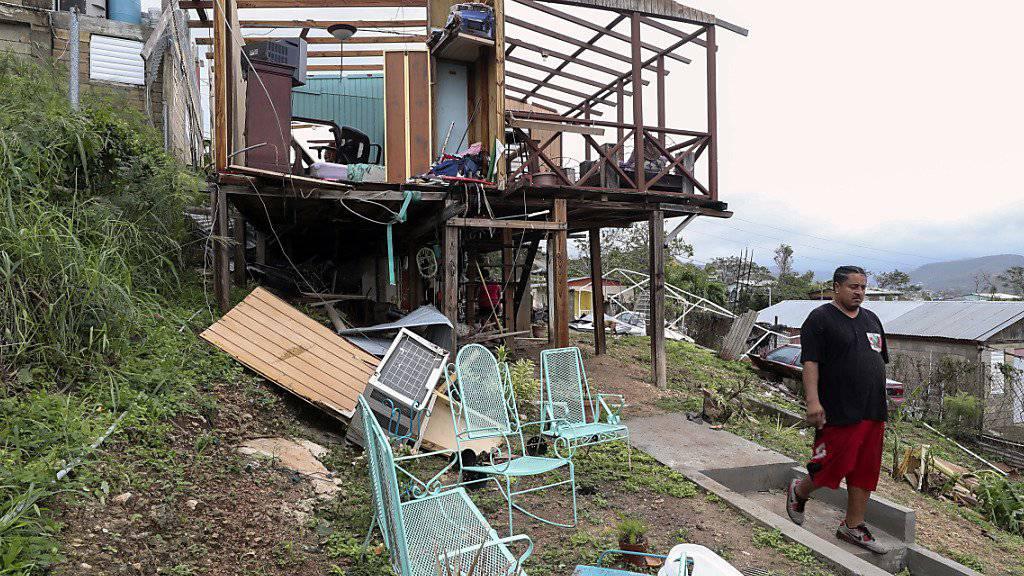 «Maria» hat mehrere Karibikinseln schwer verwüstet. Nun hat sich der Sturm abgeschwächt.