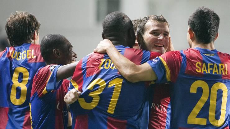 Die Basel Spieler jubeln über den Sieg gegen Sheriff Tiraspol.