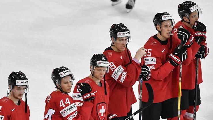 Betroffene Gesichter nach Spielende: Die Schweizer geben eine 2:0-Führung aus der Hand.