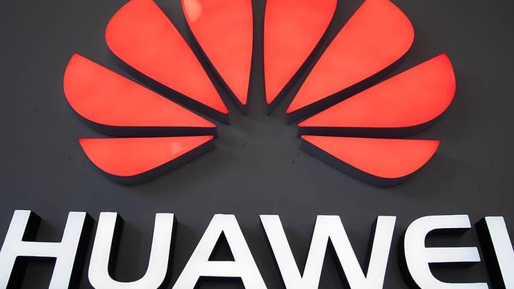 US-Firmen dürfen noch drei Monate lang Technik an den chinesischen Telekomausrüster Huawei liefern. (Symbolbild)