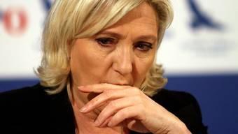 """Frankreichs Rechtspopulistin Marine Le Pen wurde von einem EU-Gericht zur Rückzahlung von 300'000 Euro an das Europaparlament verurteilt. Le Pen sieht darin eine """"politisch motivierte Stinkbombe"""". (Archivbild)"""