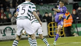 EL-Aus für Tottenham (hier 1:0-Torschütze Steven Pienaar, rechts)