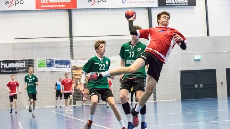 Das entscheidende Spiel gewinnen die U15-Junioren 37:33.