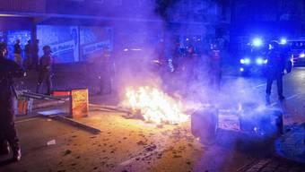 Auf die Gewaltexzesse am Rand des G20-Gipfels in Hamburg war die Polizei nicht vorbereitet. Eine harte Linie fuhren deutsche Beamte an der Schweizer Grenze: Sie liessen 33 Personen nicht ins Land.