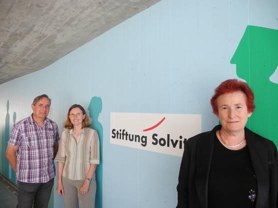 Von links nach rechts: Martin Ritter, Geschäftsführer der Stiftung Solvita, Maya Graf, Stellvertretende Geschäftsführerin der Insos Zürich, Ingrid Hieronymi, Stadtschreiberin von Schlieren