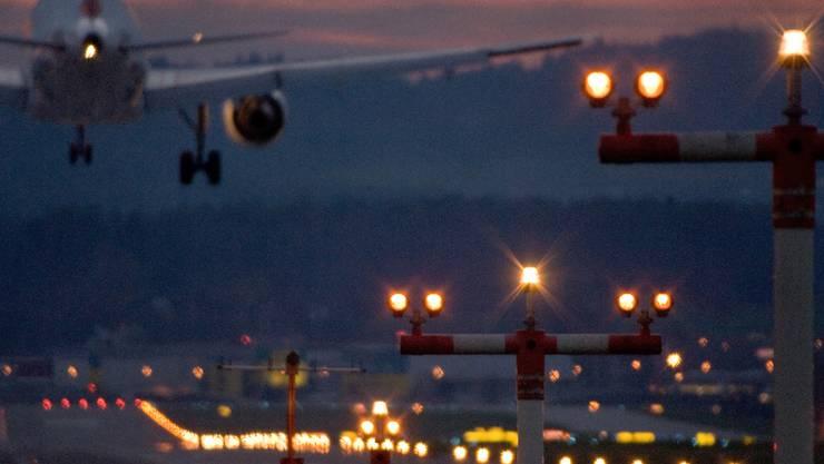 Der Stadt reichen automatisch schliessende Fenster vor dem ersten Südanflug am Morgen als Lärmschutz nicht aus.