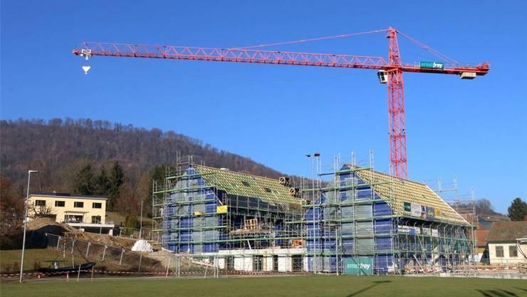 Die Mehrfamilienhäuser in Wittnau sind im Rohbau fertig. zvg