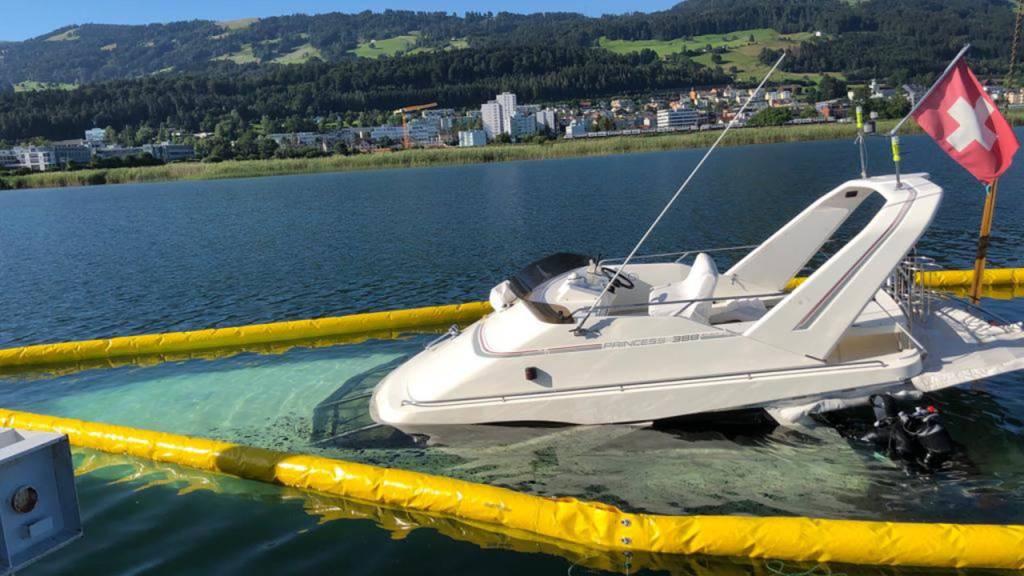 10 Tonnen schweres Motorboot fast abgesoffen