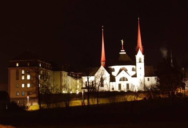 Das Kloster Muri bei Nacht