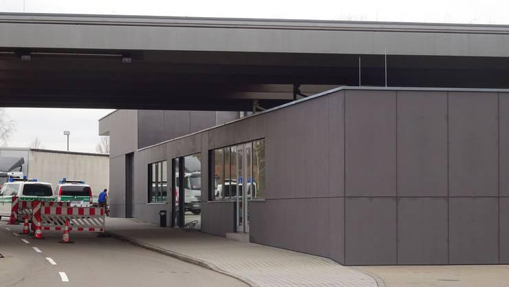 Am Grenzübergang Laufenburg sollen weiterhin Waren verzollt werden können. Vielleicht dereinst über einen Briefkasten.