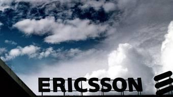 Der schwedische Netzwerkausrüster Ericsson hat sich mit US-Behörden auf hohe Strafzahlungen zur Beilegung eines Korruptionsverfahrens geeinigt. (Symbolbild)
