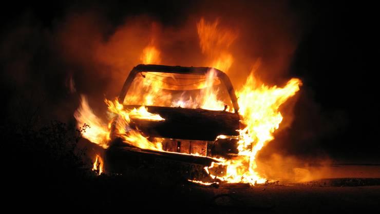 In der Tiefgarage des Jumbos in Dättwil ist ein Auto ausgebrannt. (Symbolbild)