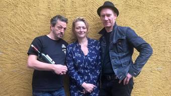 Patric Gehrig, Susanne Kunz und Jürg Plüss (v.l.) stehen gemeinsam auf der Bühne.