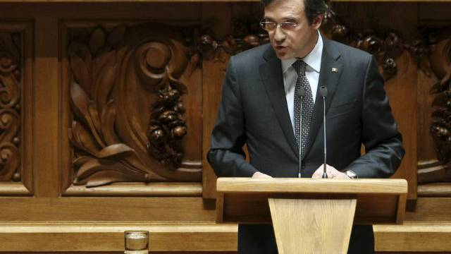 Parlament sprach Passos Coelho Vertrauen aus