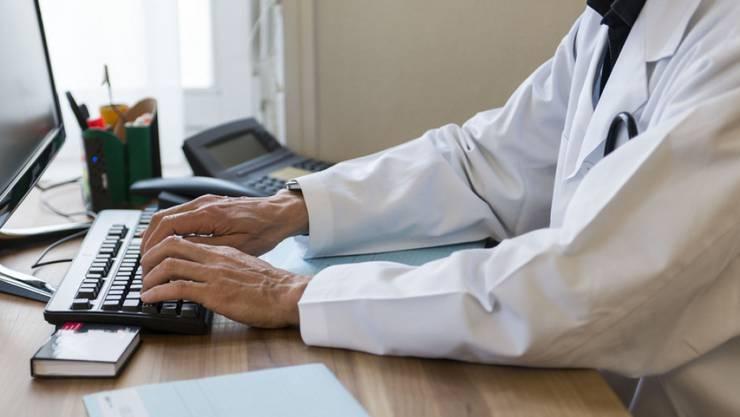 Das elektronische Patientendossier kommt im Aargau später als geplant. (Symbolbild)
