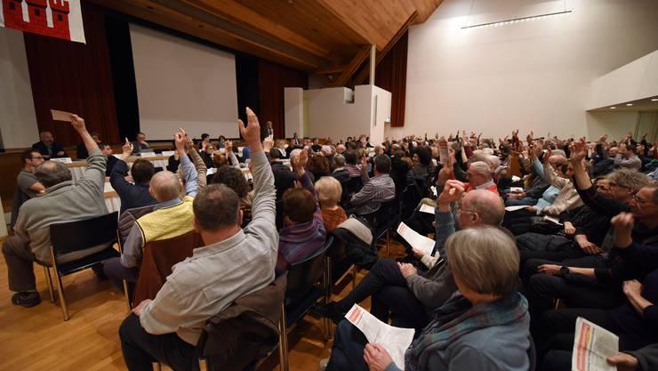 Am Ende waren die Mehrheitsverhältnisse eindeutig: Die Gemeindeversammlung will sich nicht selber abschaffen.