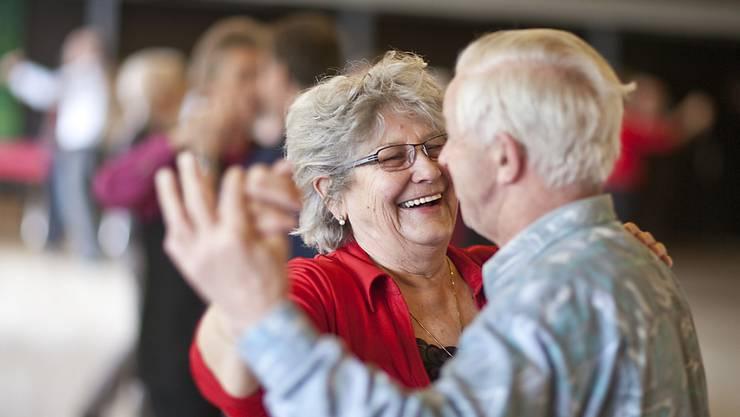 Die Schweizer werden immer älter und bleiben länger gesund. Eine Rentenreform ist dringend nötig. (Symbolbild)