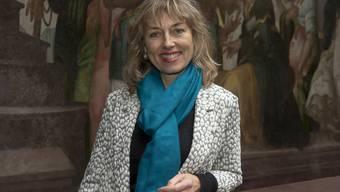 Dominique König-Lüdin (SP) posiert als neu gewählte Grossratspräsidentin im Basler Rathaus.