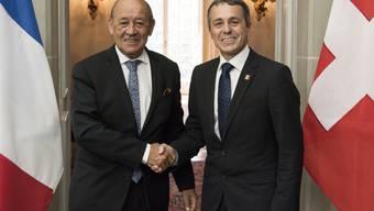 Die Chancen für ein Rahmenabkommen zwischen der Schweiz und der EU stehen nach Ansicht des französischen Aussenministers Jean-Yves Le Drian weiterhin gut. Das sagte er nach einem Treffen mit Bundesrat Ignazio Cassis in Bern.