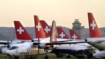 Swissair-Maschinen am Boden.