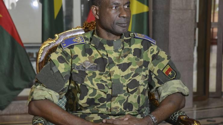 Putschisten-Führer Gilbert Diendéré in Burkina Faso will Übergangspräsident wieder in den Sattel heben.