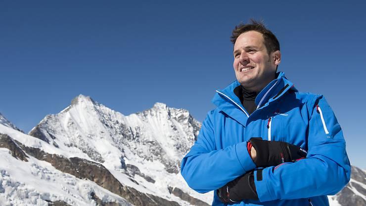 Daniel Albrecht posiert im September 2014 auf dem Allalin-Gletscher in Saas-Fee