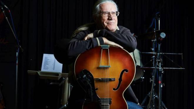 Schaut auf eine bewegte Musikerkarriere zurück: Toni Vescoli. Foto: Ho