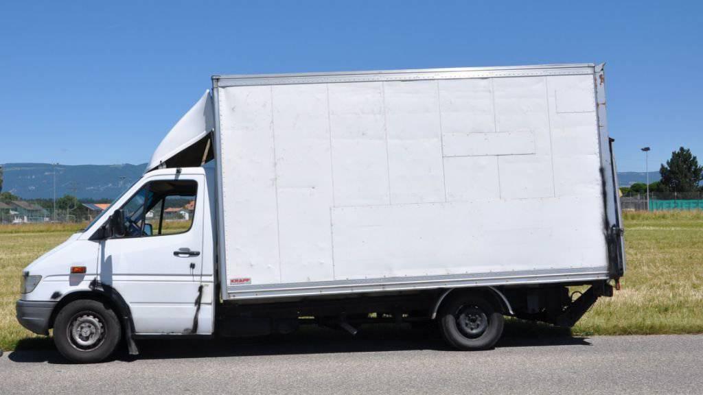 Der am Freitag in Gerlafingen SO beschlagnahmte Lieferwagen war alles andere als fahrtüchtig. Er stand kurz vor dem Auseinanderbrechen.