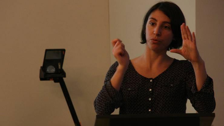 Aurélie Payrastre von der Anlaufstelle Integration erklärte, wie Aarau die Informationsarbeit verbessern kann.