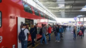 Sie könnten vom neuen «Austria-GA» profitieren: Pendler am Bahnhof Wien-Praterstern.